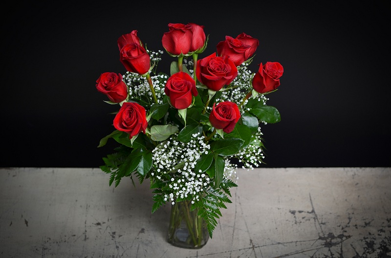 How To Extend The Life Of Roses In A Vase?